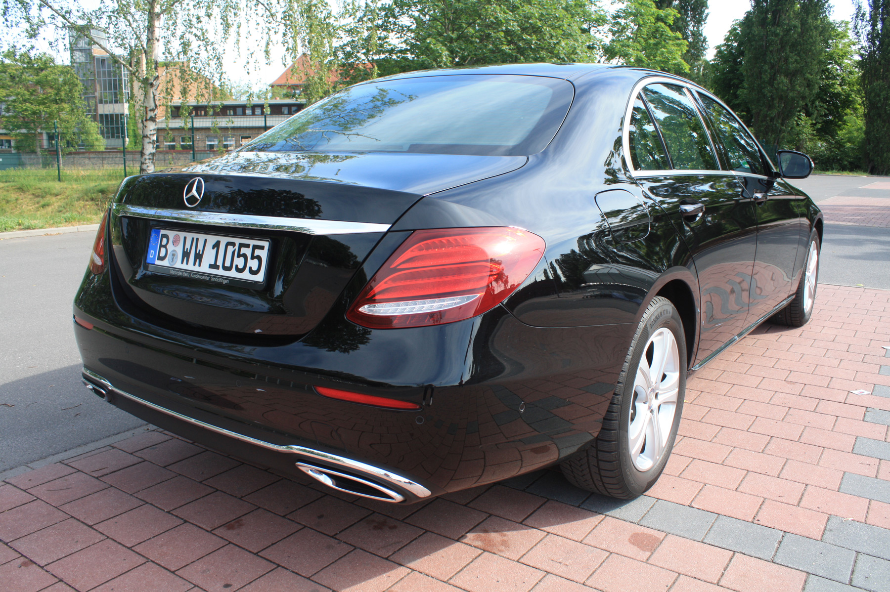 berlin limo, berlin limo hire the world awaits outside, the stress mercedes