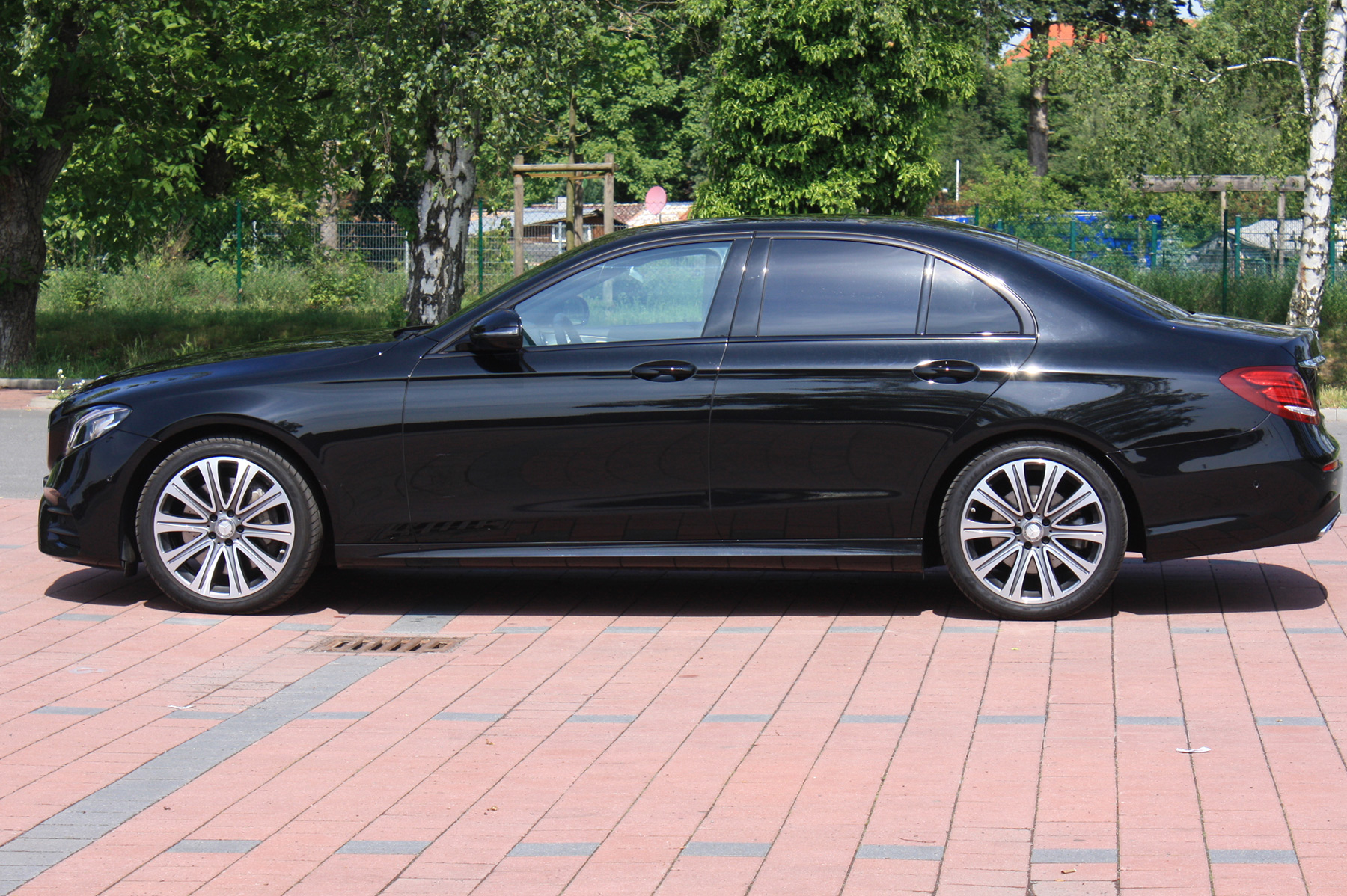 berlin limo, berlin limo hire the world awaits outside, the stress Limousine 14 Personen.htm #8